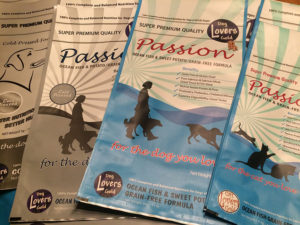 New petfood packs for The Focusline, Netherlands. - Art for the Workplace